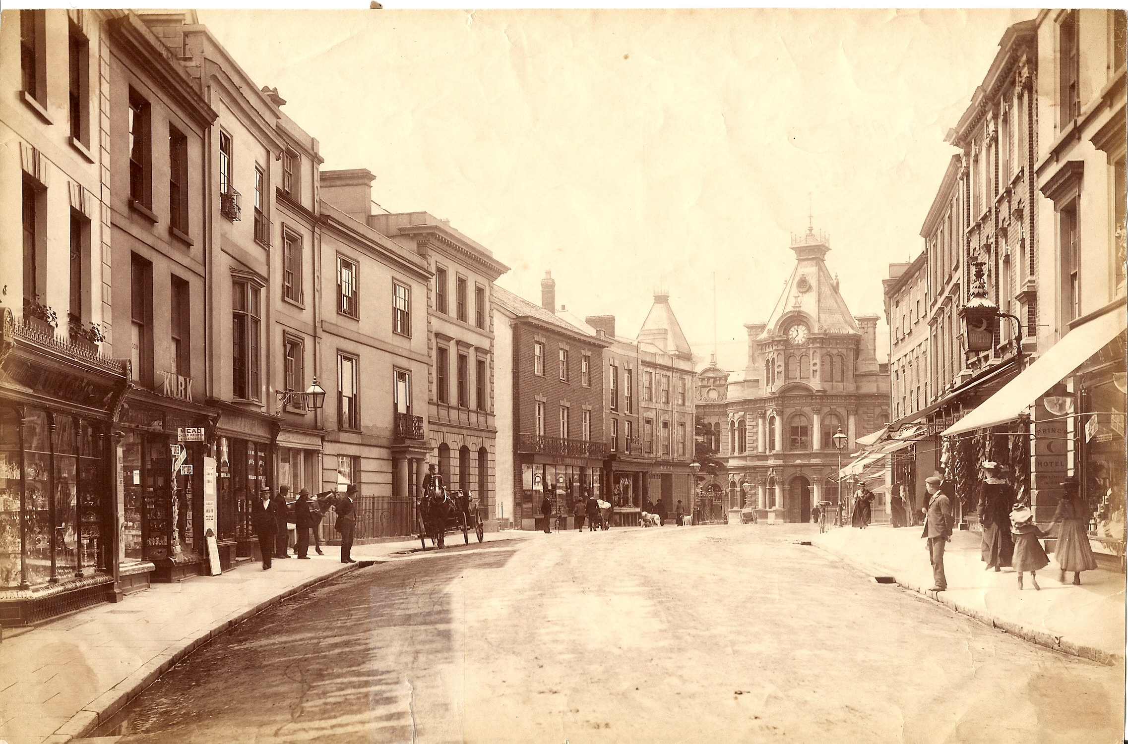 A view of Fore Street in 1900